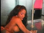 Ebony chick gets her pussy stretched