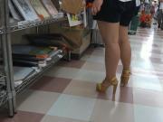 Sexy Legs Walk 031