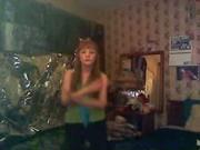 REDHEAD SEXY BELLY-DANCE