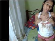Novinha na webcam peitos xota e cu
