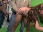 Spontan Blowjob im Foto Studio