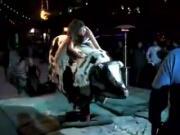 borracha en toro mecanico sin calzones
