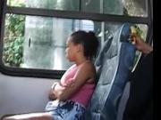 Novinha safadinha olhando a pica