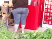 Damn That Ass MASSIVE!!