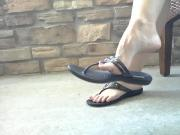 Zoe Points Her Sexy Toes in Sandals