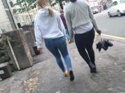 Jeans bum