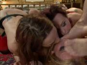 Alysa and two girlfriens anal double footing