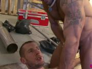 UK tattooed hunks in passionate threeway