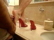 Spanish whore models her feet for me