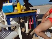 esposa se mostrando na praia