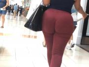 Jiggly Phat Ass Donk in Red Pants edited
