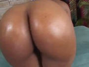 Black mama gets pussy pounded