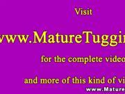Cougar mature slut in wanking session