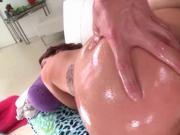 Huge ass tramp enjoying deep anal penetration