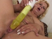 Mature woman receives rampaging dick in her pussy