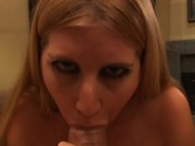 Hottie givine a wet blowjob