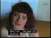 Melanie Rowan, Rashneen Kerim-Koram in SexyThreesome