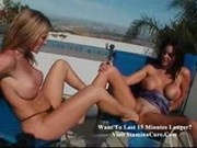 Glamour - lesbians by the pool