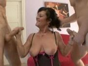 Hot Brunette Cougar De Bella Pounces