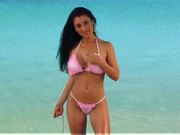 Jessica canizales at the sea