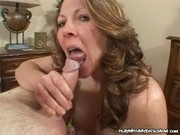 Abby - Sexy Mom Giving Hanjob