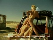 Pauline - Great lesbian show by a car in the desert3