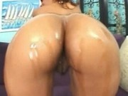 Big booty Sinnamon Love fucking big black cock