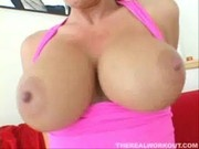 busty Jayden James sticking vibrator in her clit while getti