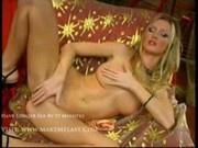 Alicia masturbates