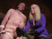 xvideos.Whipping and cropping by Mistress - XVIDEOS.COM