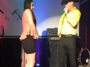 Rubia chichona y morena nalgonas mexicanas en concurso de baile sexy