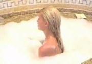 Paris hilton takes her bath