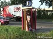 Public sex stops traffic