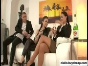Brunettes pissing ffm group