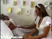 Enfermeira que faz sentir bem