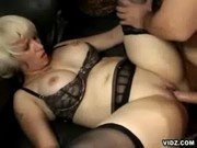 Hot Performance Of A Horny Mom