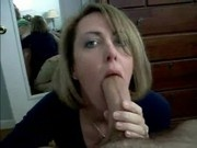 Amateur MILF sucks big cock