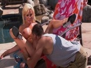 hot mom diamond foxxx fucks pool boy