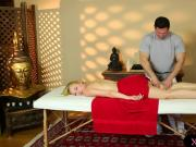 Horny masseur gives massage to hot blonde babe Trillium