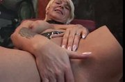 mature uses pussy pump