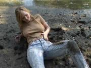 hotty rolls around in the mud