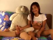 Thai beauty's first porno session