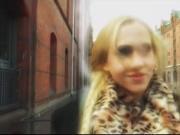 Heisse Blondine aus Hamburg fickt dich um den Verstand