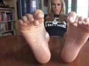 Jerk it to Her Sexy Feet