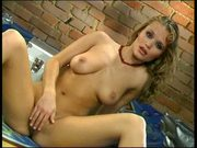 Incredibly sexy babe satisfies her pussy