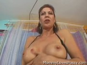 Busty Cougar horny lesbians