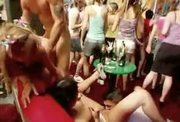 Drunkgirls show true colors at male stripclub