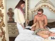 Jessie Volt anal fucked with stepmom in threesome session