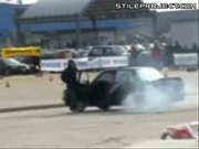moron gets run over by his own car when showing off doing a burnout