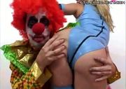 mr. honkers the clown gets a blowjob!
